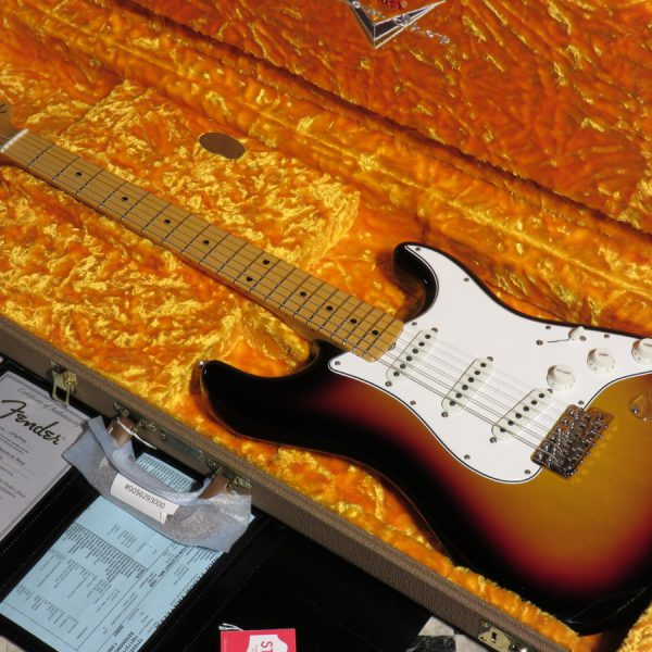 Fender Custom Shop Vintage Custom 1962 Stratocaster N.O.S. Maple Fingerboard