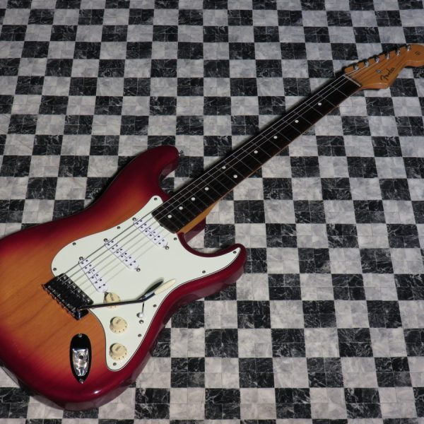 Fender Japan ST62 Modified
